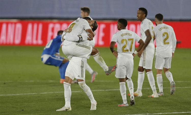 Ramos và đồng đội chuẩn bị đăng quang La Liga. Ảnh: Marca.