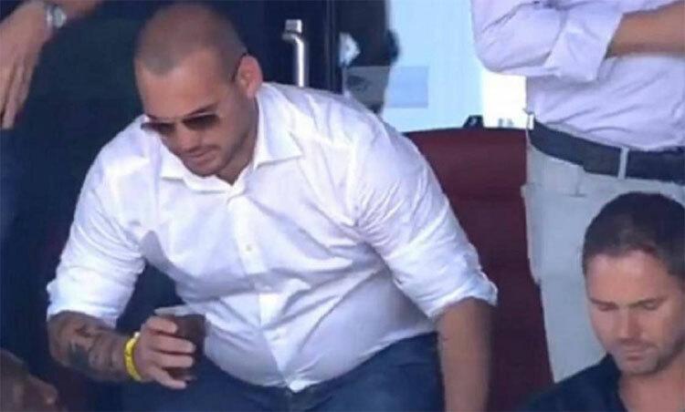 Sneijder đang ở thể trạng béo phì. Ảnh: Instagram.