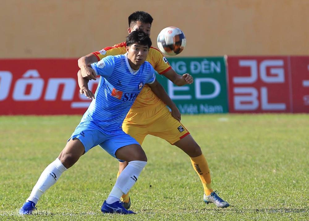 Hà Đức Chinh có hai bàn thắng vào lưới Thanh Hoá, gấp đôi số lần lập công của anh trong năm trận trước đó.