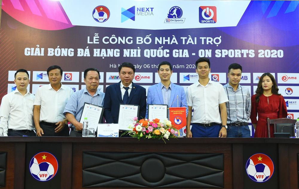 Lế công bố nhà tài trợ cho giải hạng Nhì Quốc gia tại trụ sở VFF ngày 6/6.