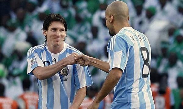 Messi và Veron từng là đồng đội ở đội tuyển Argentina.
