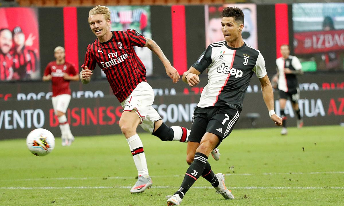 Ronaldo ghi bàn trận thứ năm liên tiếp, trước Milan hôm 7/7. Ảnh: Reuters.