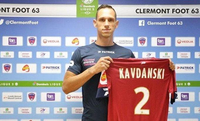 Cầu thủ lây cho 20 đồng nghiệp. Ảnh: Clermont Foot.