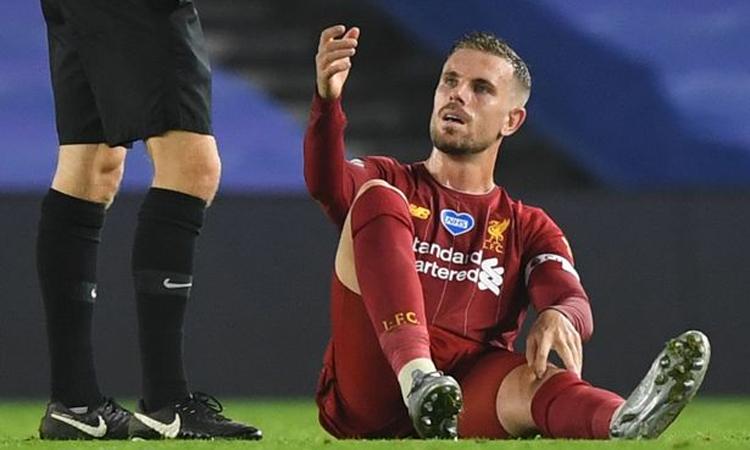 Chấn thương của Henderson khiến Klopp lo lắng. Ảnh: Reuters.
