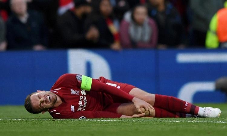 Henderson phải nghỉ đến mùa sau do chấn thương. Ảnh: PA.