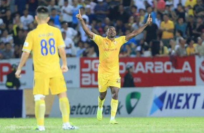 Tony ghi bàn duy nhất, giúp Nam Định hạ Quảng Nam trên sân Thiên Trường ngày 12/7.