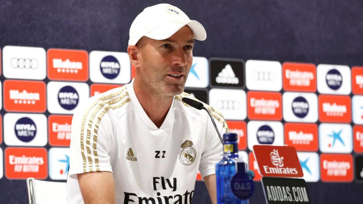 HLV Zidane trong cuộc họp báo trước trận đấu Granada. Ảnh: EPE.