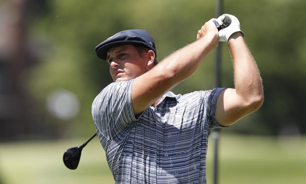 DeChambeau đang gây ấn tượng với làng golf với ngoại hình vạm vỡ và những cú phát bóng rất xa. Ảnh: AP.