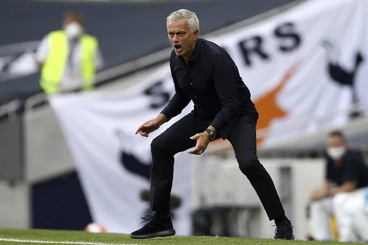 Mourinho quyết tâm dự Europa League. Ảnh: AP.