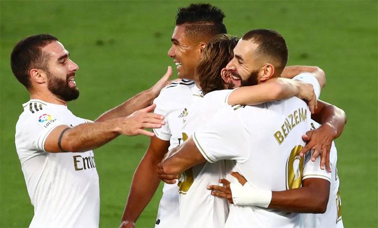 Benzema ghi bàn đột biến sau khi La Liga thi đấu trở lại. Ảnh: Reuters.