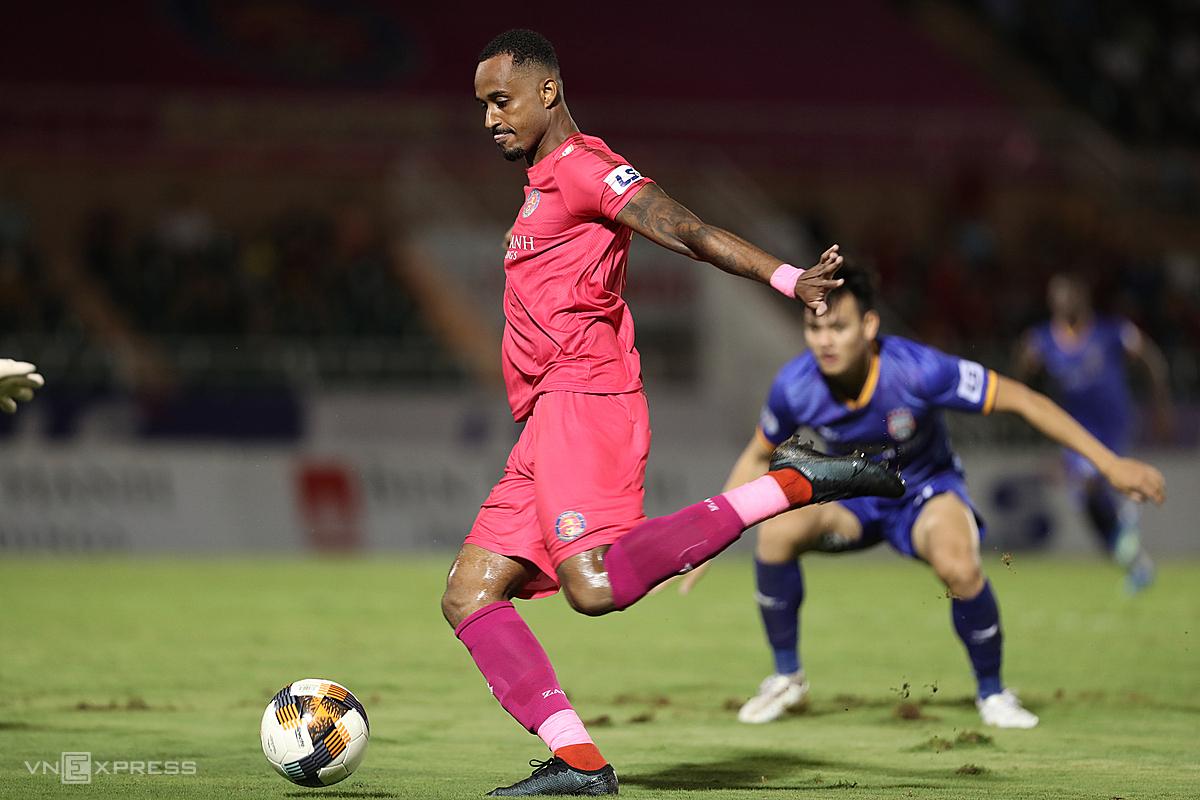 Vắng Paulo Pedro, Sài Gòn FC mất một mũi tấn công lợi hại. Ảnh: Đức Đồng.
