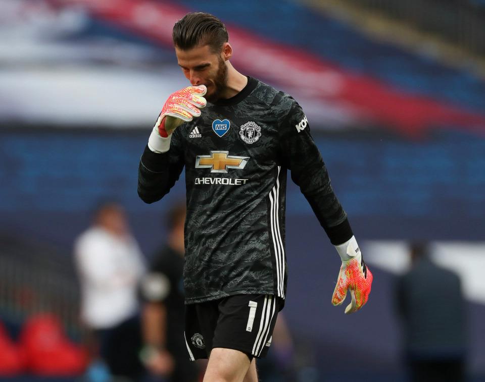 De Gea thất vọng sau màn trình diễn tồi tệ. Ảnh: AFP.