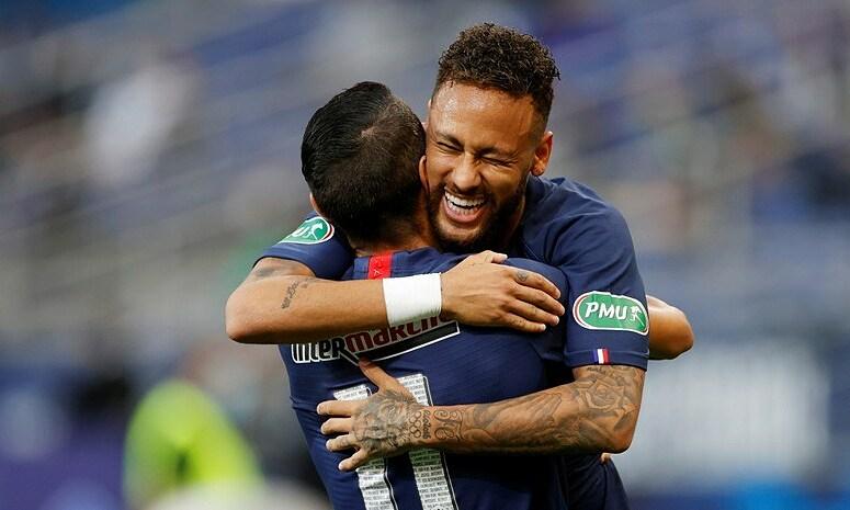 Neymar ghi bàn thứ 19 sau 23 trận mùa này. Ảnh: RT.