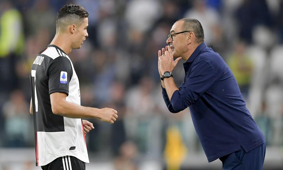 Ronaldo (trái) đá chính tối 29/7 nhưng tịt ngòi. Ảnh: Juventus FC.