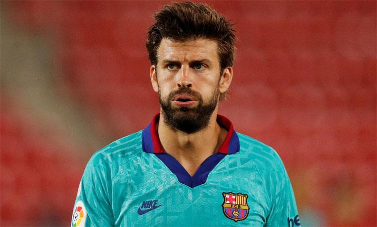 Barca chỉ còn Pique sung sức. Ảnh: Reuters.
