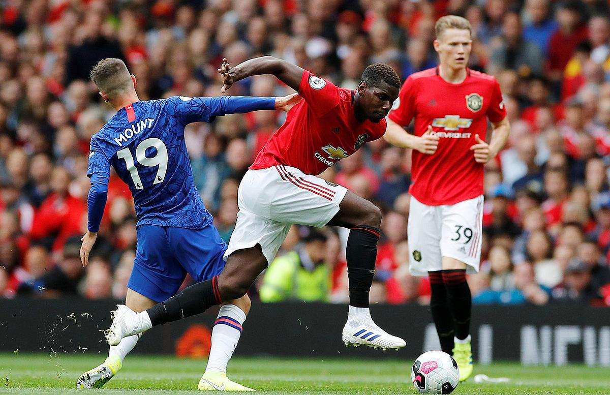 Chelsea và Man Utd sẽ tiến bộ hơn mùa tới, nhưng được cho là chưa đủ khả năng tranh vô địch. Ảnh: Reuters.