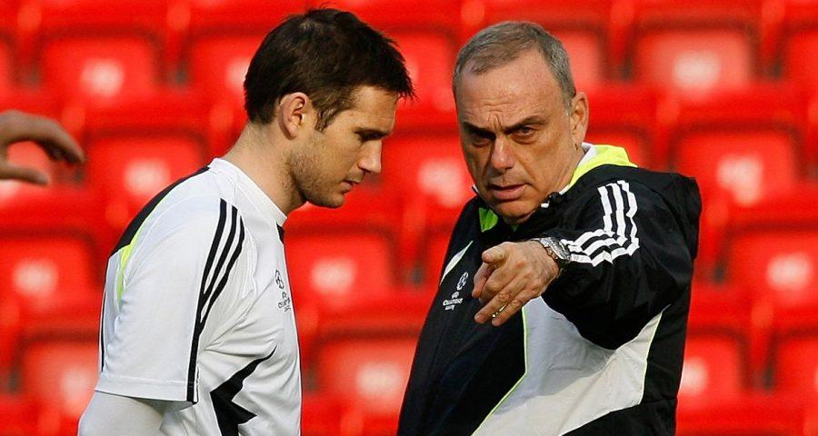 Grant (phải) và Lampard trên sân tập của Chelsea ở mùa giải 2007-2008.