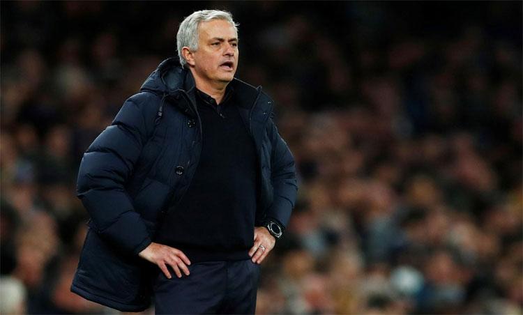 Mourinho chưa thể thành công với Tottenham. Ảnh: Reuters.