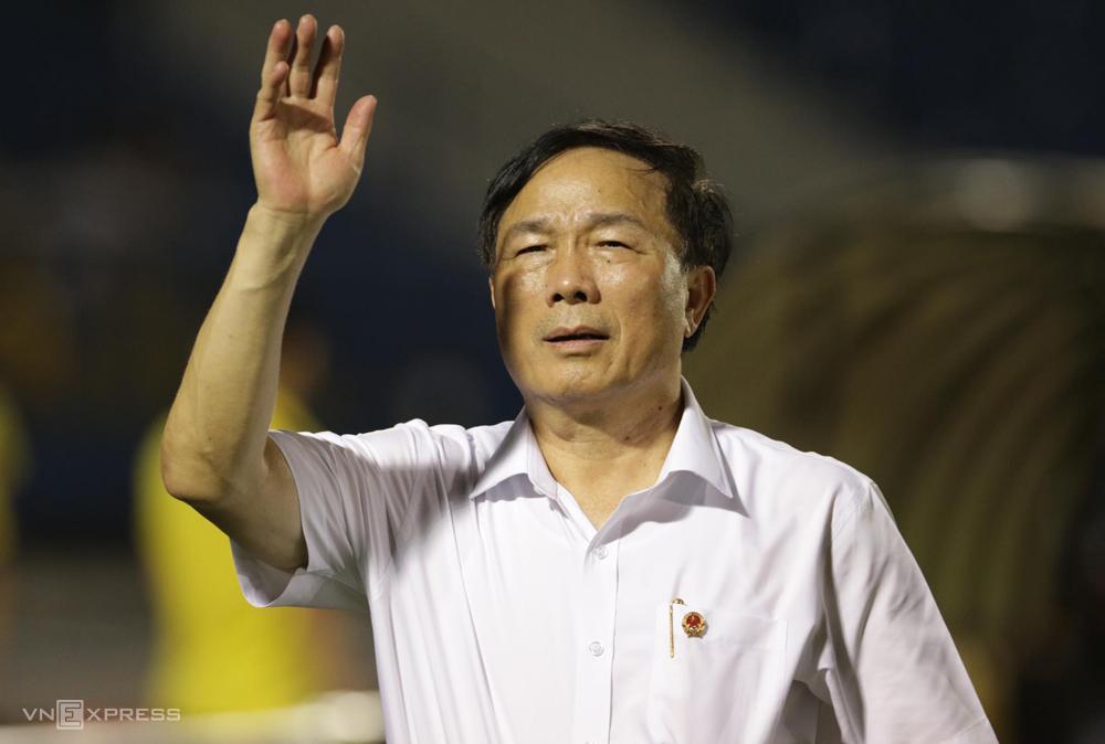 Bầu Đệ cho cầu thủ Thanh Hoá giải tán về nhà từ hôm nay 6/8. Ảnh: Đức Đồng