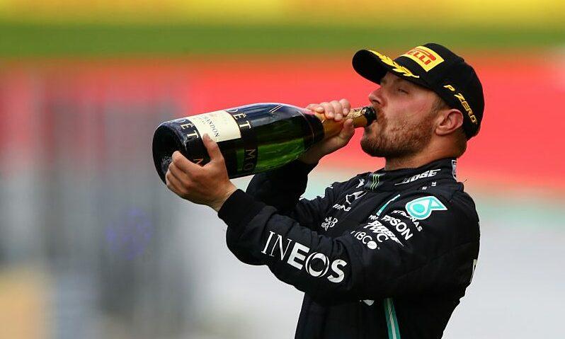 Bottas đảm bảo tương lai ở Mercedes, còn Russell sẽ phải chờ thêm một năm. Ảnh: F1.