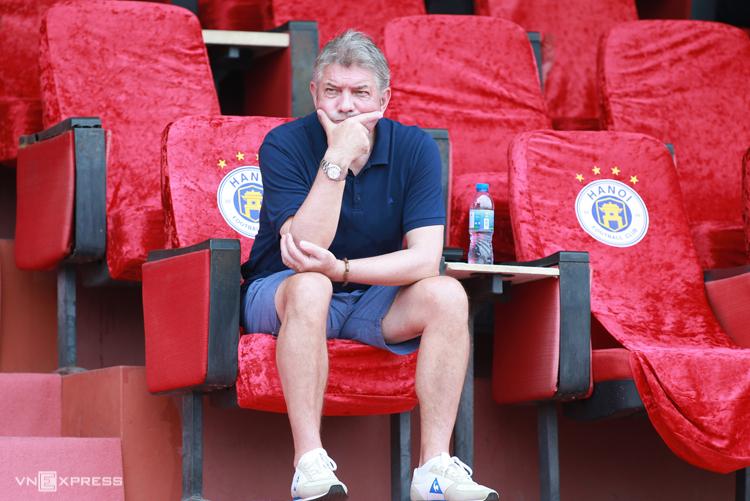 GĐKT Jurgen Gede mạnh trong việc phát hiện tài năng, uốn nắn các cầu thủ trẻ.