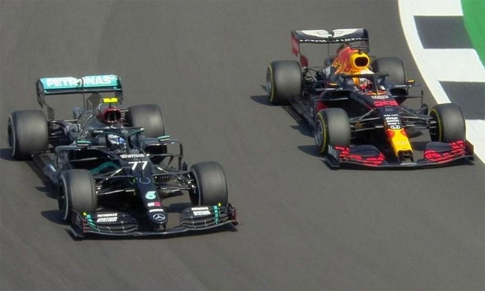 Bottas (trái) giành pole, nhưng bị Verstappen (phải) vượt mặt. Ảnh: F1.