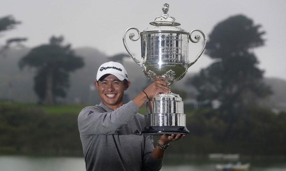 Morikawa nâng chiếc Cúp Wanamaker sau khi vô địch PGA Championship trên sân TPC Harding Park,  San Francisco hôm 9/8. Ảnh: AP.