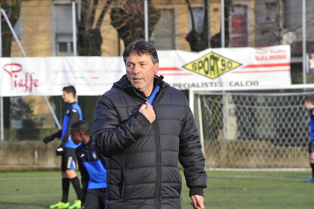Bonaccorso vừa làm giám đốc trung tâm, vừa trực tiếp giảng dạy tại Bortolotti. Ảnh: Il Nouvo Calcio.