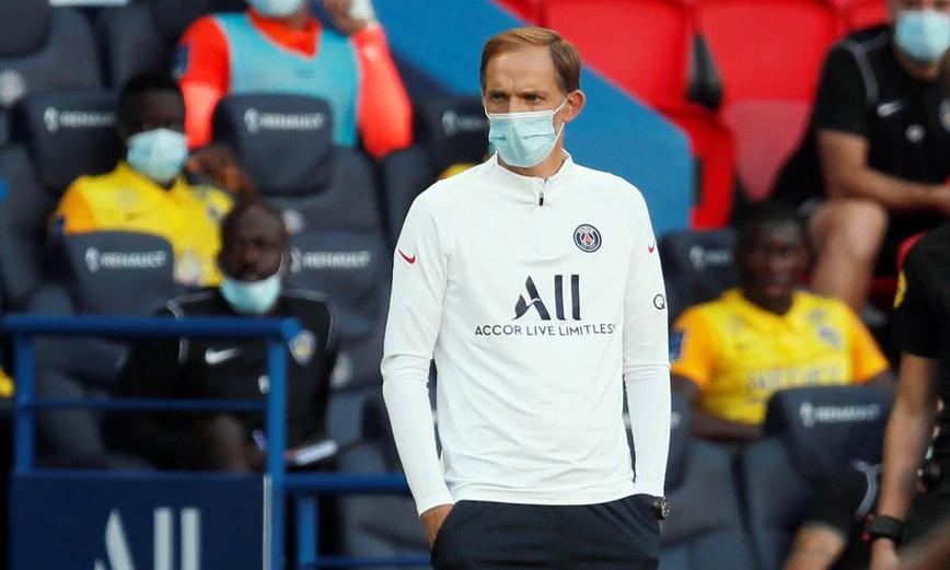 Thomas Tuchel vừa bị gãy chân trong một buổi tập, ít ngày trước trận gặp Atalanta. Ảnh: Reuters.