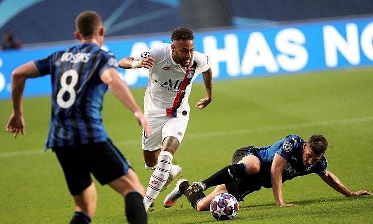 Neymar lập kỷ lục với 16 lần qua người thành công ở trận thắng Atalanta. Ảnh: AFP.