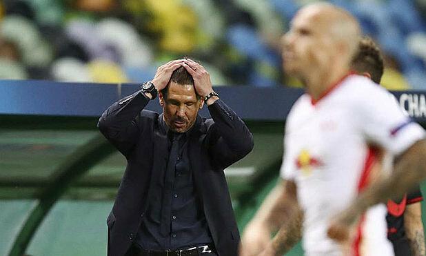 Simeone một lần nữa lỡ hẹn với chức vô địch Champions League. Ảnh: UEFA.