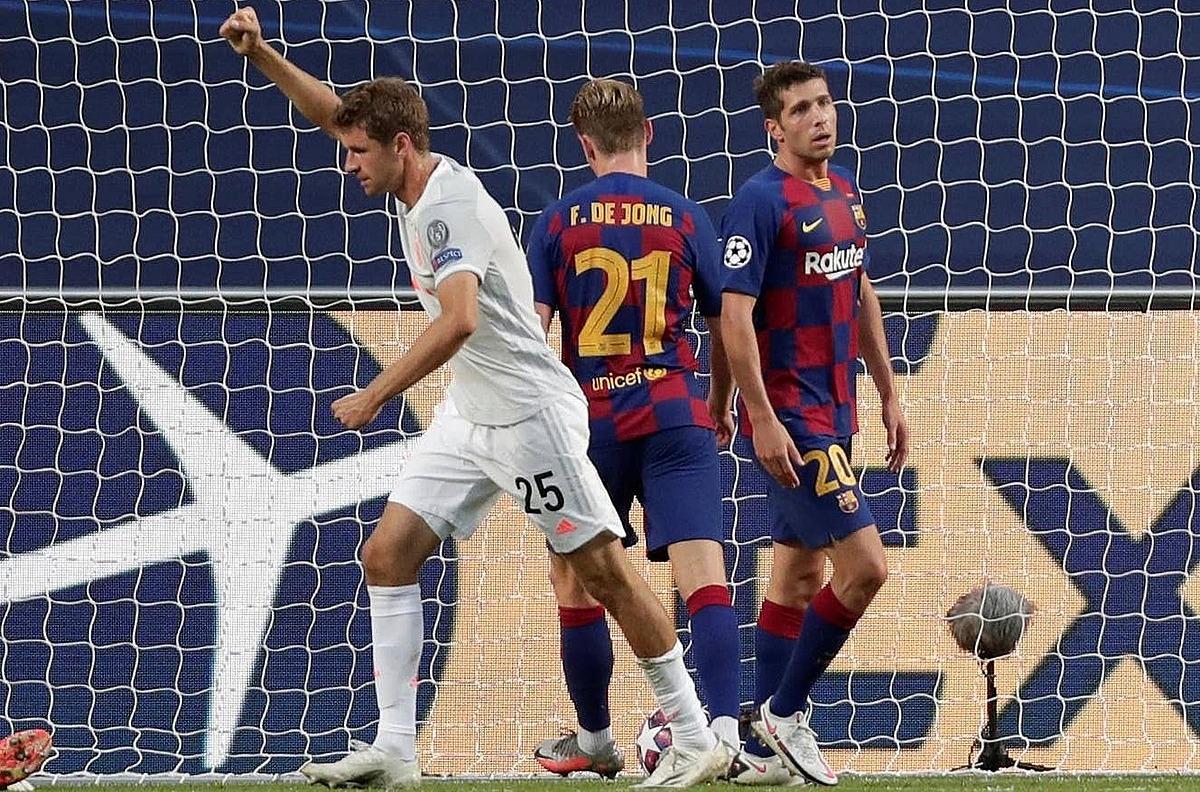 Muller lập cú đúp thể hiện khả năng đánh hơi bàn thắng tuyệt vời. Ảnh: Reuters.