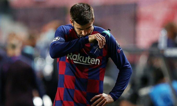 Pique đau đớn khi Barca nhận thất bại đậm nhất sau 69 năm. Ảnh: Marca.