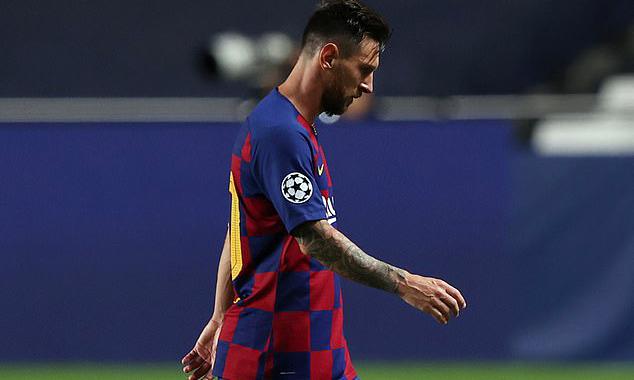 Từ khi thi đấu chuyên nghiệp vào năm 2004, Messi chỉ chơi cho một CLB duy nhất là Barca. Ảnh: Reuters.
