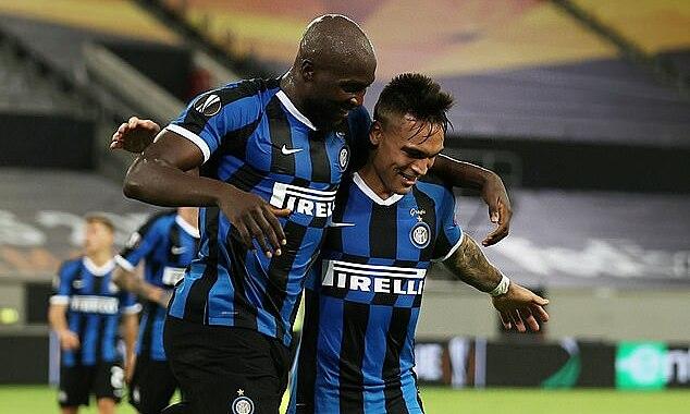 Song sát Lukaku - Martinez đưa Inter vào chung kết. Ảnh: Reuters.