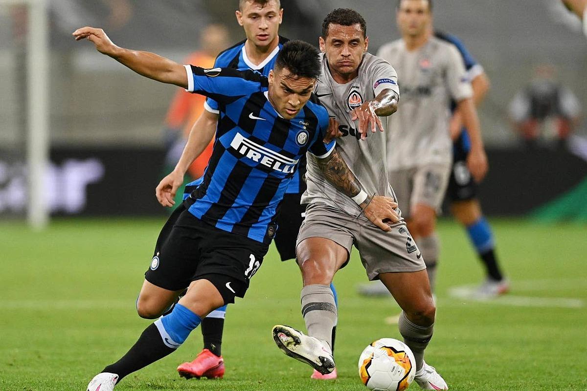 Lautaro Martinez ghi cú đúp và kiến tạo một bàn trận này. Ảnh: Reuters.