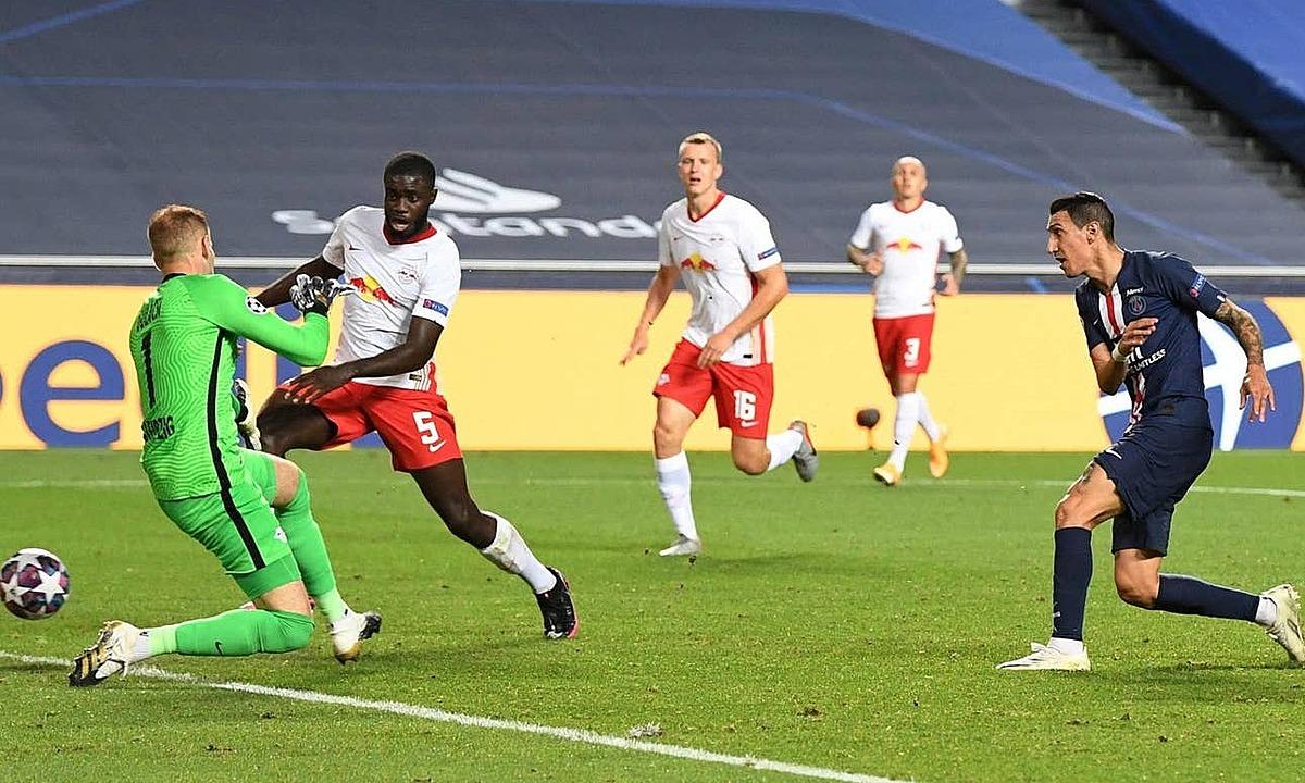 Di Maria (phải) ghi bàn nâng tỷ số lên 2-0 ở trận gặp Leipzig. Ảnh: Reuters.