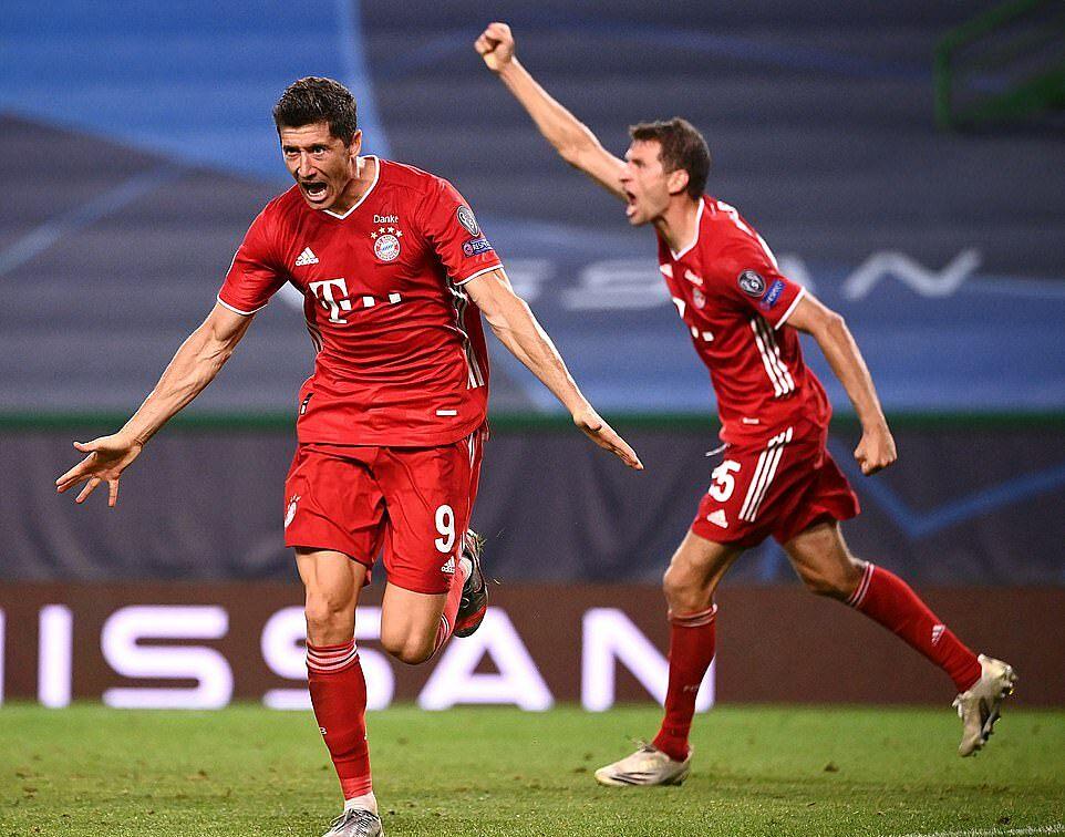 Bayern sẽ chạm trán PSG, kình địch của Lyon tại Ligue 1, ở chung kết. Ảnh: EPA.