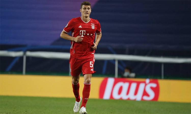 Pavard từng vô địch World Cup 2018 trước khi đầu quân cho Bayern. Anh chỉ chơi tám phút cuối trong trận bán kết thắng Lyon 3-0 trên sân Jose Alvalade, Lisbon hôm 19/8. Ảnh: France Football