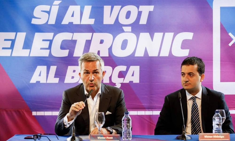 Font (trái) trong một cuộc họp vận động tranh cử chủ tịch Barca. Trong cương lĩnh tranh cử, vị doanh nhân 48 tuổi này xem việc trọng dụng các nhân tài do Barca tự đào tạo là giá trị cốt lõi. Ảnh: Total Barca