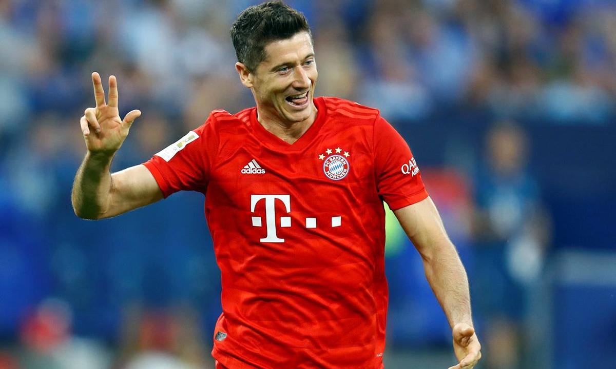 Lewandowski ghi 15 bàn sau 10 trận ở Champions League mùa này. Ảnh: Reuters.