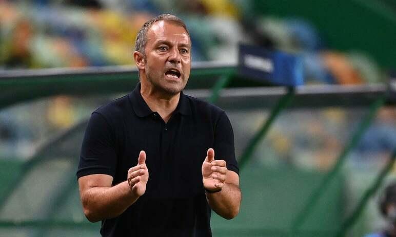 Flick đánh giá cao tốc độ của Mbappe, nhưng sẽ không thay đổi công thức chiến thắng của Bayern. Ảnh: AP