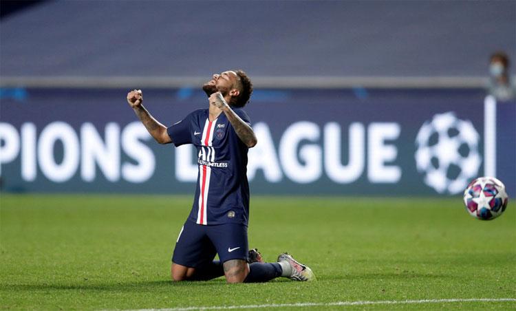 Neymar xúc động khi cùng PSG vào chung kết Champions League 2020. Ảnh: Reuters.