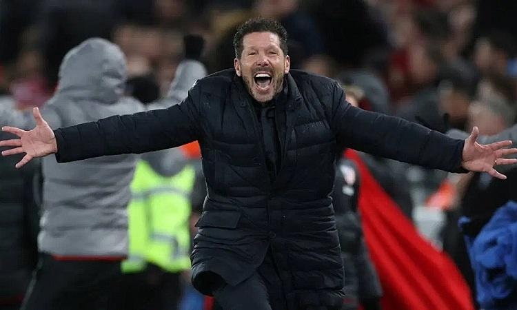 Simeone đang hưởng mức đãi ngộ rất cao tại Atletico. Ảnh: Reuters.