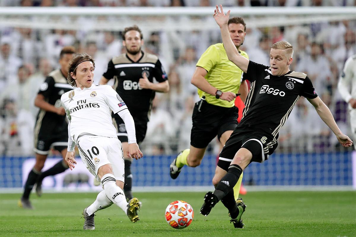 Van de Beek được kỳ vọng sẽ nâng tầm chất lượng kỹ thuật cũng như sức chiến đấu nơi tuyến giữa Man Utd. Ảnh: BSR