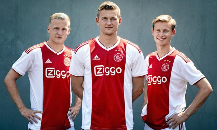 Van de Beek, cùng với Matthijs de Ligt và Frenkie de Jong, từng gây ấn tượng ở Champions League 2018-2019. Ảnh: Ajax.