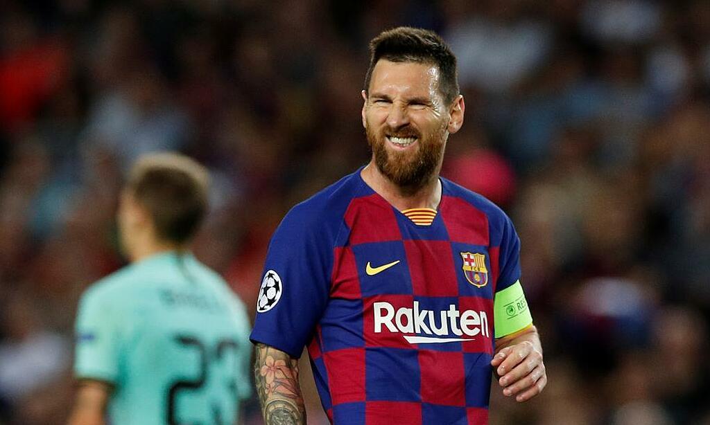 Tương lai của Messi ngày càng khó đoán khi anh có thể ra đi, ở lại hoặc thậm chí gia hạn. Ảnh: Reuters