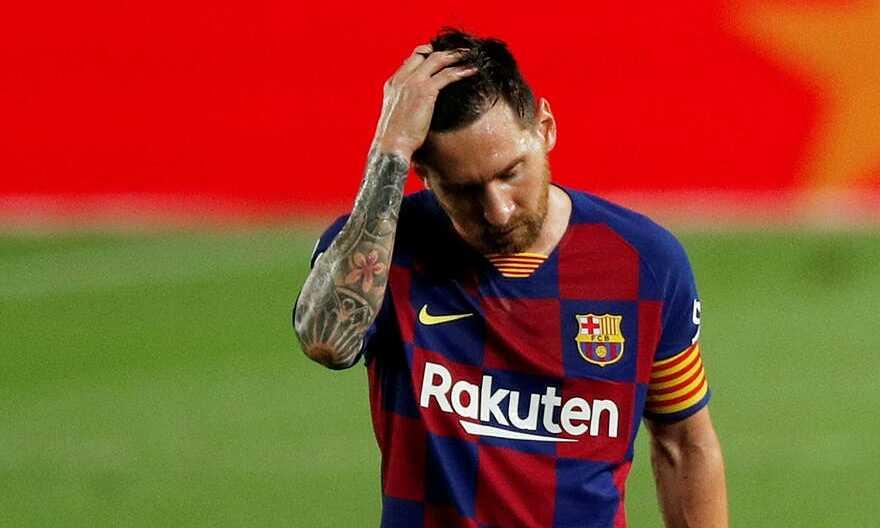Messi thất vọng thấy rõ ở thảm bại trước Bayern. Ảnh: Reuters