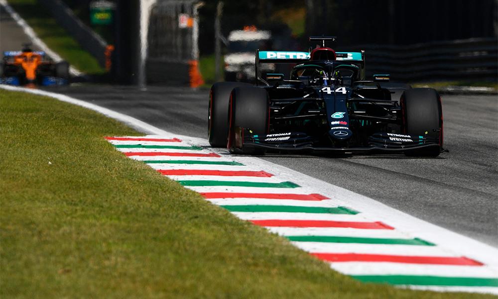 Hamilton dễ dàng dẫn đầu trong gần nửa đầu chặng đua tại Monza. Ảnh: F1