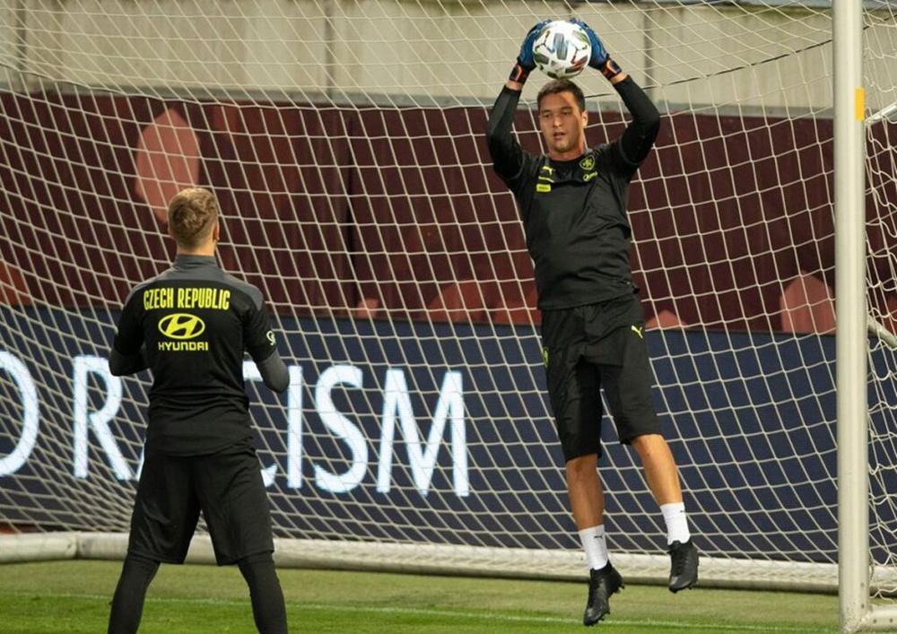 Filip Nguyễn tập luyện trong màu áo tuyển Czech.
